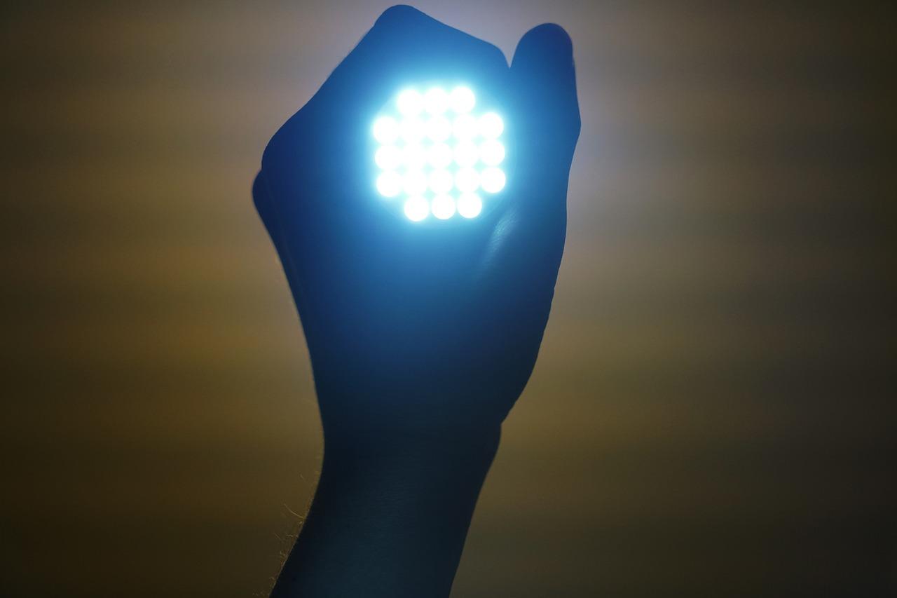 Onlinehandler Click Licht De Erzielt 10 Mio Eur