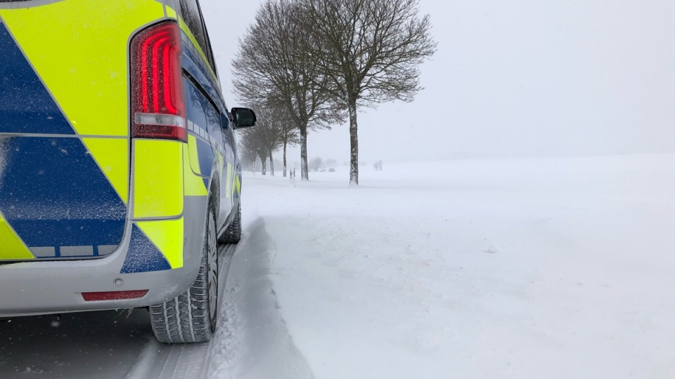 Mehr als 2.000 Einsätze bei Wintereinbruch in Nordrhein-Westfalen
