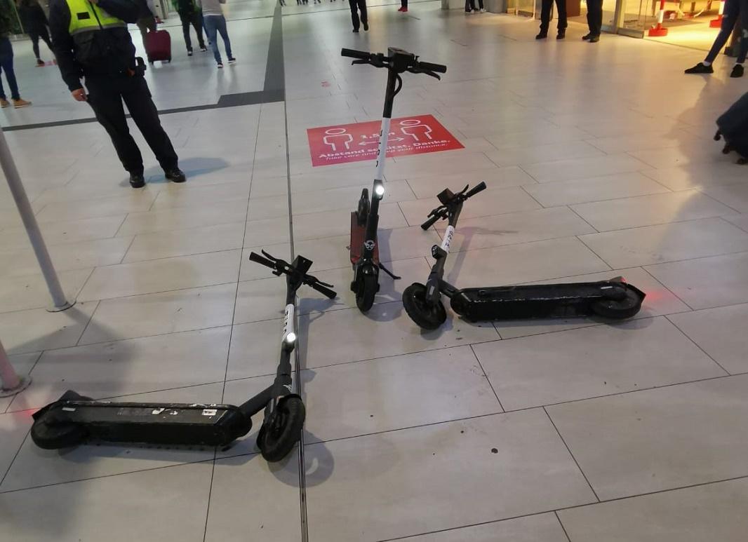 14-Jährige rasen mit E-Scooter durch den Düsseldorfer Hauptbahnhof