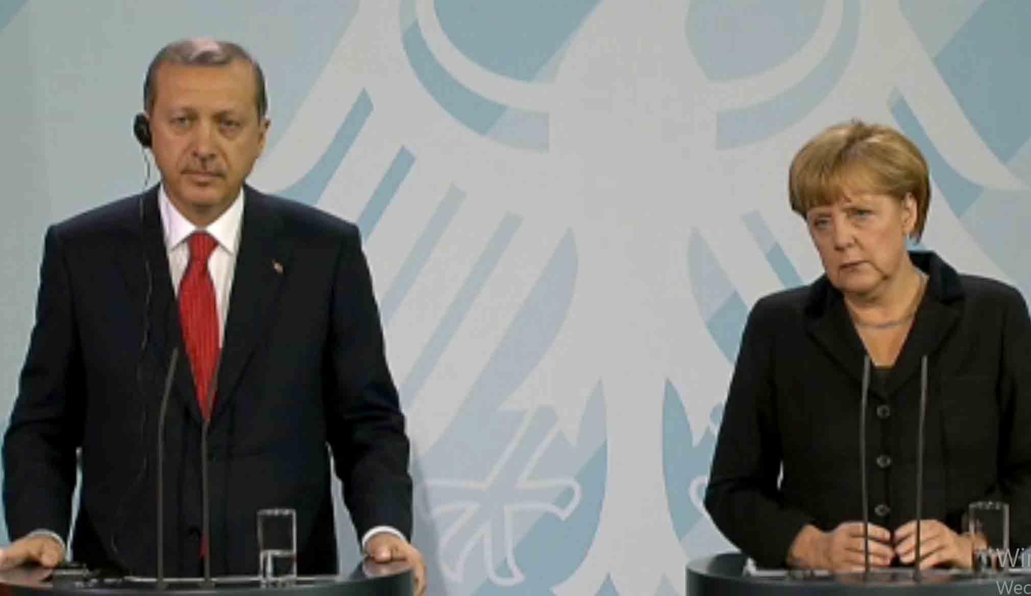 Bundeskanzlerin Merkel spricht mit dem türkischen Präsidenten, Recep Tayyip Erdoğan