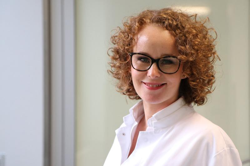 OP-Risiken für alte Menschen reduzieren: Dr. Jessica Görgens und ihr Team schützen ihre Patienten vor