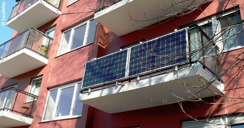 Stadt fördert 'Balkonkraftwerke': Solarstrom vom Balkon