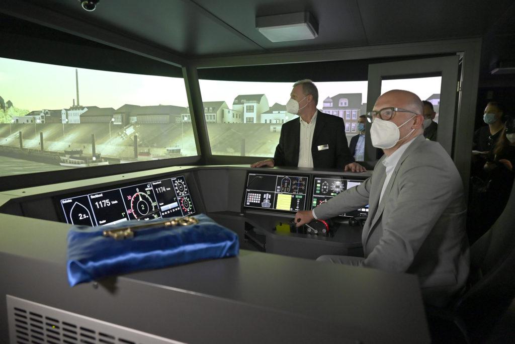 Eröffnung des Flachwasserfahrsimulators SANDRA II im Schifferberufskolleg RHEIN