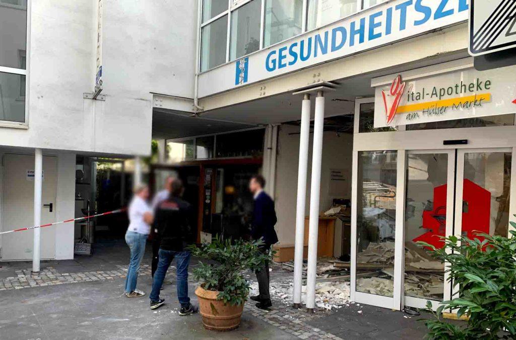 Geldautomat am Hülser Markt gesprengt